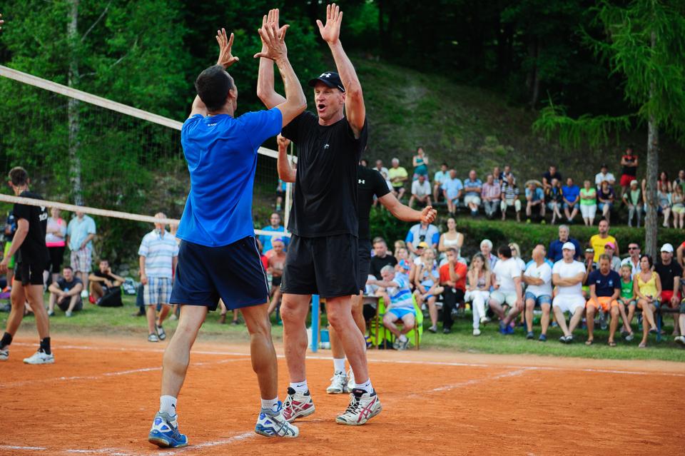 Radosť Richarda Nemca počas 80. volejbalového turnaja TJ Sokol Moštenica, Sobota 18. Júla 2015