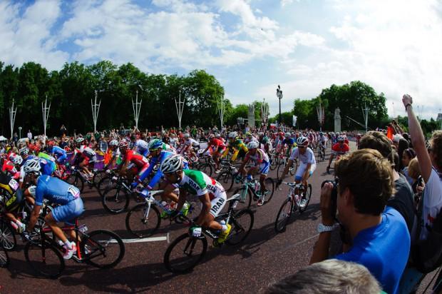 Pohľad na štartujúcich cyklistov počas Olympíjskych hier v Londýne 2012, Londýn - Veľká Británia, sobota 28.7.2012