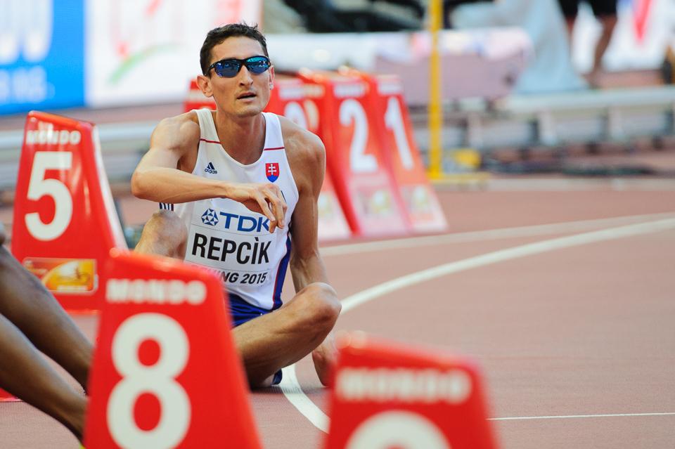 Jozef Repčík po kvalifikácii behu na 800m, kde mu záverečné vystupňované tempo neumožnilo dostať sa do semifinálových behov počas Majstrovstiev sveta v atletike 2015, Peking, Čína, Sobota 22. Augusta 2015
