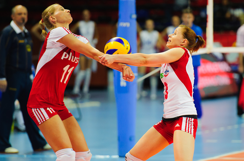 Polish players Anna Werblinska (left) and Karolina Kosek (right) receiving the ball during qualification match against Russia for the London Olympics 2012. Poland beat Russia 3:2, Ankara - Turkey, Wednesday 2.5.2012
