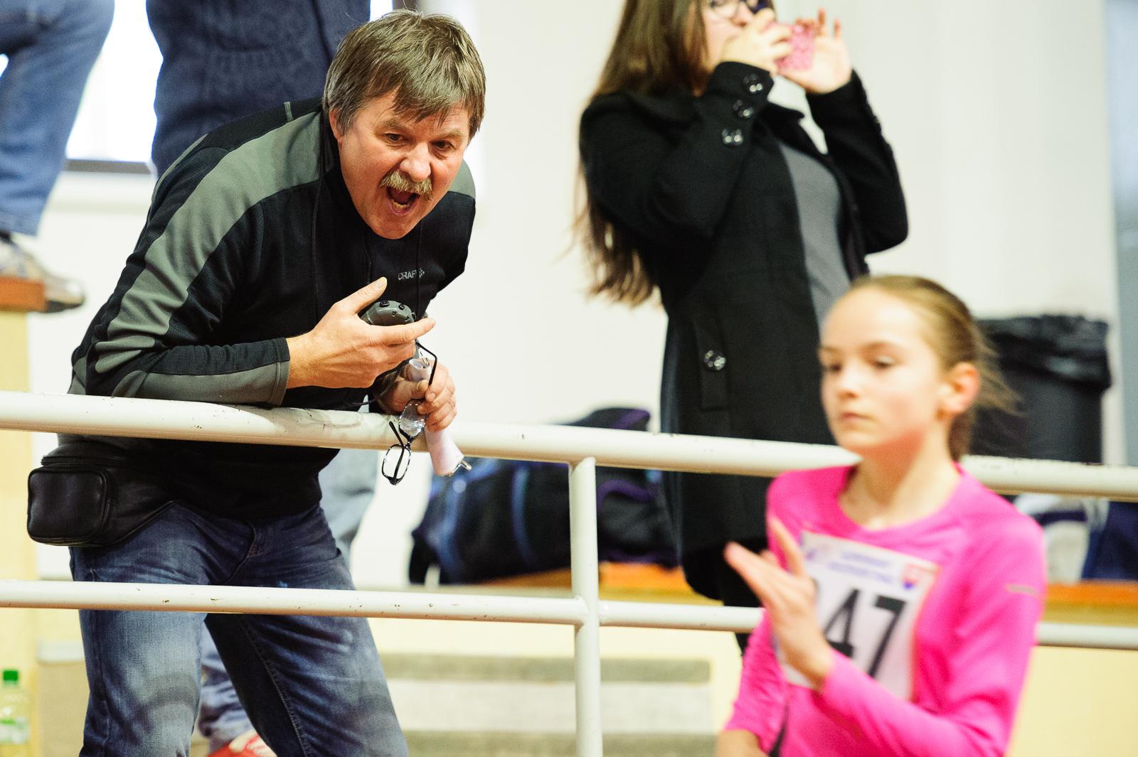 Halové Majstrovstvá Slovenska mladšieho žiactva a vo viacboji mužov, juniorov a staršieho žiactva. Bratislava, Sobota, 5.Marec