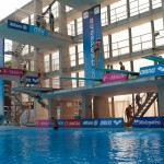 Pohľad na prípravu skokaniek pred kvalifikáciou na skoky jednotlivcov z 3m dosky počas Majstrovstiev Európy v plaveckých športoch 2011. Budapešť - Maďarsko, 14.8.2010