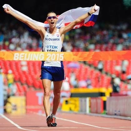 Matej Tóth kráča do cieľa chôdze na 50km, kde získal zlatú medailu počas Majstrovstiev sveta v atletike 2015, 29.08.2015, Peking, Čína