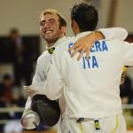 Finálový súboj dvoch Talianov - Marco Fichera Fichera (ITA, vpravo) - Andrea Santarelli (ITA, vľavo) skončil úspešne pre Andrea Santarelliho, Memoriál Ferdinand de Martinengo (Svetový pohár v šerme juniorov), Bratislava, Nedeľa 18.11.2012