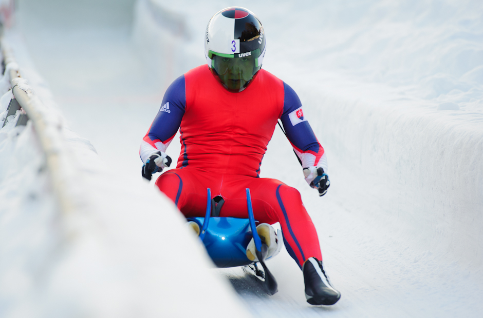 Jozef Čikovský a Peter Tomáško po dojazde do cieľa počas tréningových jázd na Zimných Olympíjskych hrách mládeže, Innsbruck, Rakúsko, Sobota 14.1.2012.