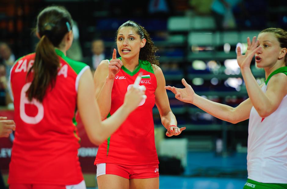Eva Yaneva (BUL) nespokojná s výkonom svojich spoluhráčok, Olympíjska kvalifikácia žien vo volejbale na XXX. Hry Olympiády v Londýne, Ankara - Turecko, Štvrtok 3.5.2012