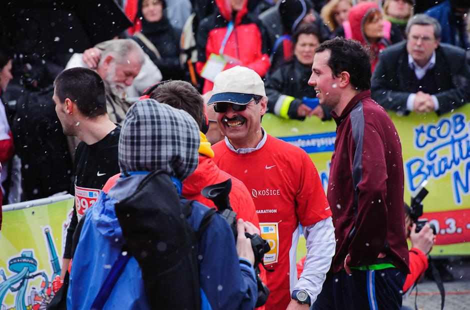 Milan Ftáčnik - primátor mesta Bratislava v cieli štafety, ČSOB Bratislava Marathon 2012, Bratislava, Nedeľa 1.4.2012