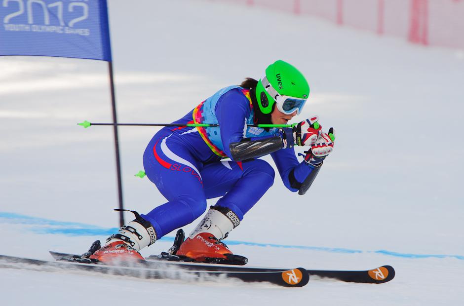 Petra Vlhová počas druhej jazdy v slalome dievčat, kde sa umiestnila opäť na 4. mieste, Zimné Olympíjske hry mládeže 2012, Innsbruck - Rakúsko, Streda 18.1.2012