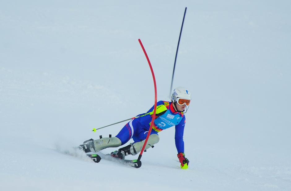 Roman Murín počas slalomu superkombinácie, kde nezvládol tretiu bránku pred cieľom a tak neukončil pretek, Olympíjske hry mládeže, Innsbruck - Rakúsko, 15.1.2012