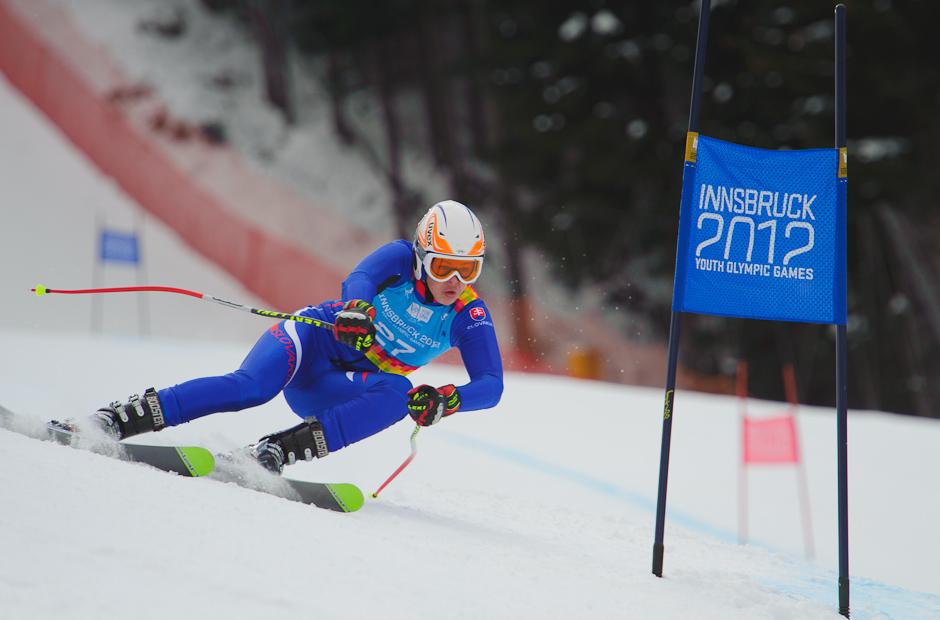 Roman Murín počas jazdy v super-G na Zimných olympíjskych hrách mládeže v Innsbrucku. V prvý deň pretekov skončil na 18. mieste. Innsbruck, Rakúsko, Sobota 14.1.2012