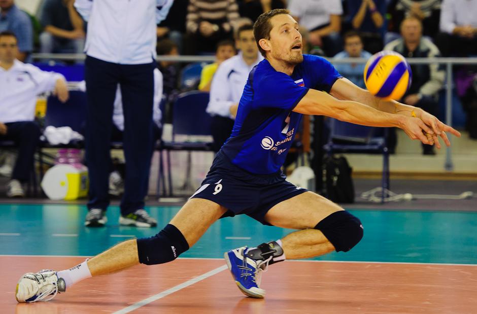 Roman Ondrušek na prijíme podania počas zápasu proti Španielsku, Poprad aréna, Poprad, Streda 23.11.2011
