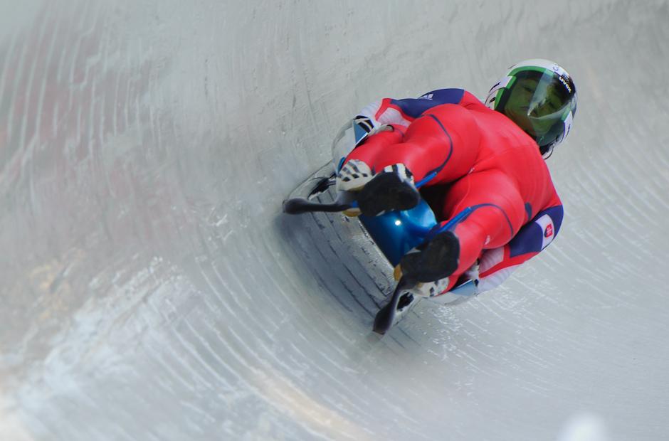 Jozef Čikovský a Peter Tomáško na sánkarskej dráhe počas tréningových jázd na Zimných Olympíjskych hrách mládeže, Sobota 14.1.2012, Innsbruck, Rakúsko.