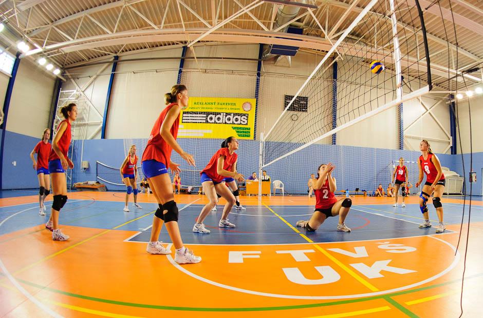 Volebalový zápas žien počas Univerziády 2012 na pôde Fakulty telesnej výchovy a športu, Štvrtok, 21.6.2012, Bratislava